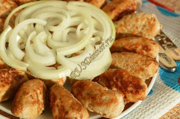 Как приготовить домашние сосиски?