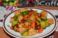 Курица с арахисом и овощами