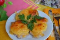 Мясо, запеченное с ананасами