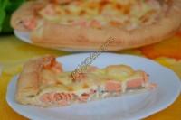 Открытый пирог с семгой и сыром Моццарелла