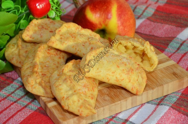 Пирожки в духовке из сырного теста