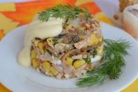 Салат из шампиньонов, кукурузы и курицы
