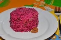 Салат из свеклы с орехами и изюмом