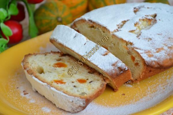 Творожный кекс с курагой и орехами